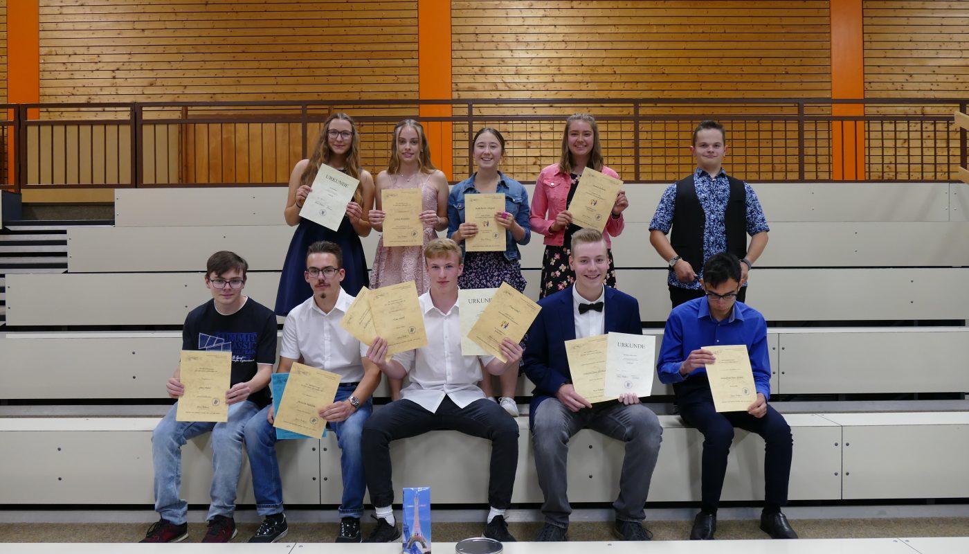 """Yes, we can!!"" –  Abschlussfeiern am Schulzentrum Stetten a.k.M."